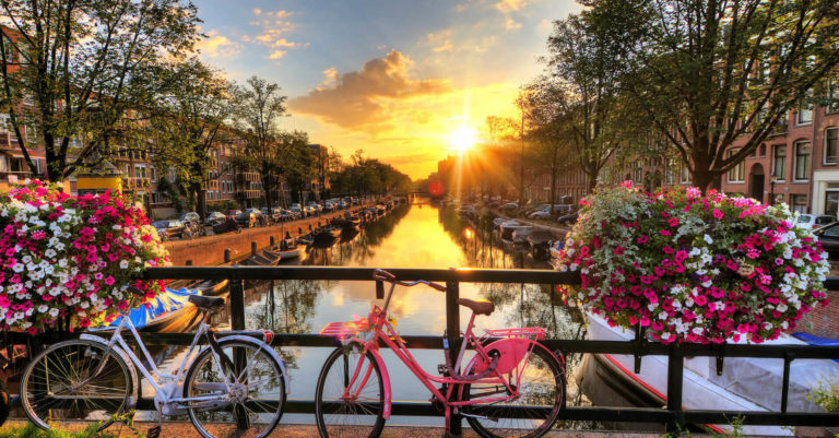 amsterdam_1920-e1573422575412 (1)